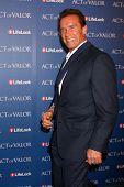 LOS ANGELES - FEB 13:  Arnold Schwarzenegger arrives at the