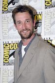 SAN DIEGO, CA - JULY 13: Noah Wyle arrives at the 2012 Comic Con  convention press room at the Bayfr