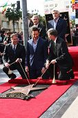 LOS ANGELES - DEC 13:  Chamber officials, Jay Leno, Hugh Jackman, Leron Gubler at the Hollywood Walk