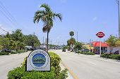 Wilton Manors Island City Sign