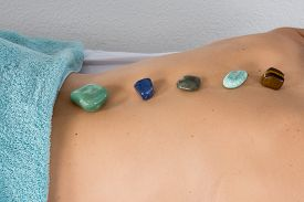foto of semi-circle  - a  very good massage with crystals - JPG