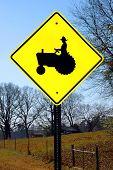Signo del cruce de tractor