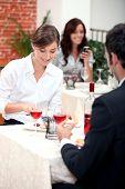 Par comer em um restaurante