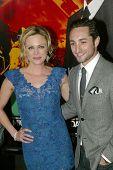 HOLLYWOOD - Januar 25: Kelly Sullivan und Eric Schneider bei der Los-Angeles-Premiere von HBO ankommen