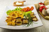 King oyster mushrooms (erindzhi almond abalone, French horn)