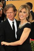 LOS ANGELES - JAN 25:  William H Macy, Felicity Huffman at the 2015 Screen Actor Guild Awards at the Shrine Auditorium on January 25, 2015 in Los Angeles, CA