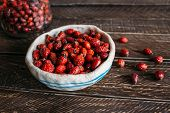 Постер, плакат: Dried Rosehip Berries