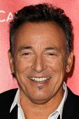 LOS ANGELES - FEB-8: Bruce Springsteen kommt bei der 2013 MusiCares Person Of The Jahr Gala Honori