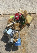 Love locks at the Brooklyn Bridge