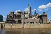 A power plant on the Mississippi