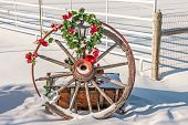 foto of wagon wheel  - Broken - JPG