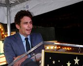 LOS ANGELES - 7 de MAR: James Franco na Hollywood Walk da Fama cerimônia homenageando James Franco em t