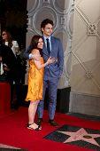 LOS ANGELES - 7 de MAR: Mother Betsy Franco, James Franco en el honor del paseo de la fama ceremonia de Hollywood