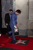 LOS ANGELES - 7 de MAR: James Franco en el Hollywood Walk de fama ceremonia homenaje a James Franco en t