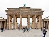 Platz Des 18. Marz And Brandenburg Gate