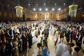 MOSCOW - MAY 25: Rows of beautiful couples at 11th Viennese Ball in Gostiny Dvor on May 25, 2013 in