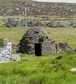 Clochaun Or Clochan On Irish Farm
