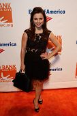 NEW YORK-APR 9: Figure skater Sasha Cohen attends the Food Bank for New York City's Can Do Awards Di