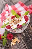muesli and raspberry