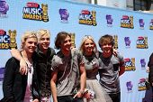 LOS ANGELES - APR 26:  R5 - Ross Lynch, Riker Lynch, Rocky Lynch, Rydell Lynch, Ellington Ratliff at the 2014 Radio Disney Music Awards at Nokia Theater on April 26, 2014 in Los Angeles, CA
