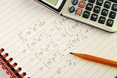Trabalhar em um conceitos de pergunta de matemática da educação e do conhecimento