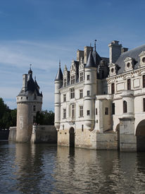 image of poitiers  - in 1547 French King Henry II offered the chateau as a gift to his mistress Diane de Poitiers - JPG