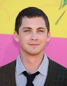 LOS ANGELES - MARCH 23:  Logan Lerman arrives to the Kid's Choice Awards 2013  on March 23, 2013 in