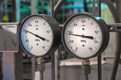 pic of manometer  - Manometers in the boiler - JPG