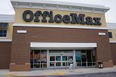 JACKSONVILLE, FL - MAY 11, 2014: An OfficeMax retail store. OfficeMax is a office supply retail chai