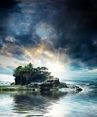picture of tanah  - the Tanah Lot temple - JPG