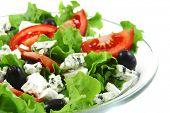 Gemüsesalat und dänische Blauschimmelkäse weiß