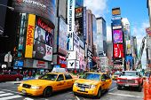 NEW YORK CITY - 5 SEP: Times Square, featured met Theaters van Broadway en LED tekenen, is een symbool van N