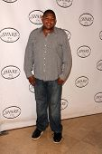 LOS ANGELES - MAY 11:  Omar Benson Miller arrives at theSHARE 60th Annual