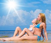 foto of denude  - Couple Beauties Relaxating  - JPG
