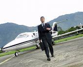 Empresário fora seu avião privado.