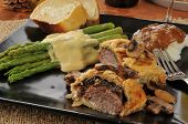 picture of beef wellington  - A gourmet dinner of Beef Wellington with asparagus - JPG