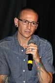 LOS ANGELES - JUN 18:  Linkin Park, Chester Bennington at the Linkin Park Rockwalk Inducting Ceremon
