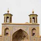 Постер, плакат: In Iran The Old Mosque