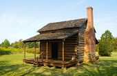 historic wooden settler cabin at Cowpens National Battlefield Park