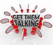 Menschen in einem Kreis, Austausch von Ideen und reden in Sprechblasen um die Worte zu erhalten, sprechen Sie