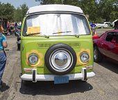 1968 Vw Hippie Camper Special Van Front View