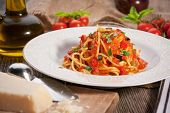 Whole Wheat Spaghetti with Tomato Sauce