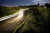 Camino rural de la noche