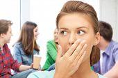 Bildung-Konzept - Angst Schüler Mädchen in der Schule