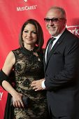 LOS ANGELES - JAN 24:  Gloria Estefan, Emilio Estefan at the 2014 MusiCares Person of the Year Gala