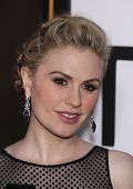 LOS ANGELES - MAY 30:  ANNA PAQUIN arrives to