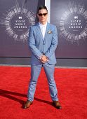 LOS ANGELES - AUG 24:  Casper Smart arrives to the 2014 Mtv Vidoe Music Awards on August 24, 2014 in Los Angeles, CA