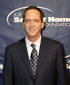 NEW YORK - NOV 11: David Cone attends the 8th Annual Joe Torre Safe at Home Foundation Gala at Pier