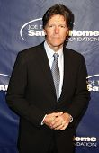 NEW YORK - NOV 11: Stone Phillips attends the 8th Annual Joe Torre Safe at Home Foundation Gala at P