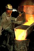 Foundry_workman